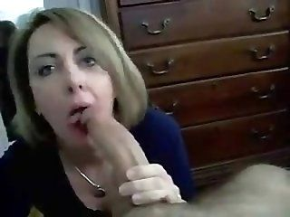 Blowjob;Mature;MILF mother's blowjob