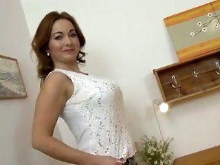 Big Tits,Cougar,Nipples,Stockings,Mature