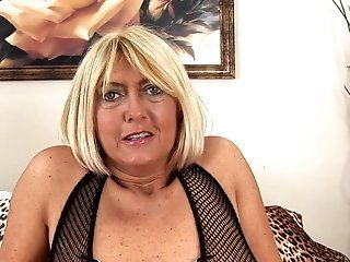 Amateur,HD,Mature,Stockings Big tits Tahnee...