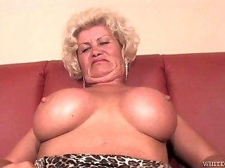 Mature;HD Franscina Curvy...