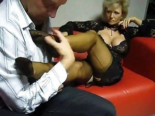 Foot Fetish,Fetish,Mature,Stockings,Cunnilingus,Masturbation Mature slut has...