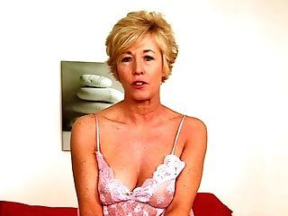 Amateur,HD,Mature Sexy short haired Chanel plugs a huge...