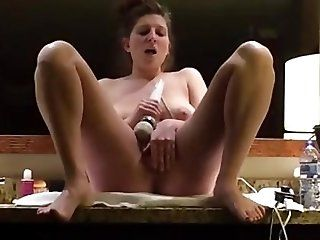 Amateur;Mature;MILF Milf vibrating...