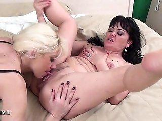 Lesbian;Amateur;Mature 1fuckdatecom...
