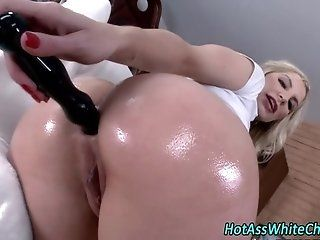 Mature;HD Bubble butt slut...