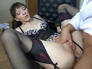 Hardcore,Mature,Stockings,Brunette,Anal In chair by the stairs, Olivia throws...