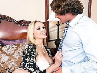 Big Butt,Big Tits,Blonde,Blowjob,Cumshots,Handjobs,MILFs,Mature,Shaved,Lingerie Julia Ann is so...