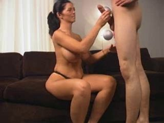 Mature,Brunette,Blowjob,Big Tits Tall black haired MILF with a round...