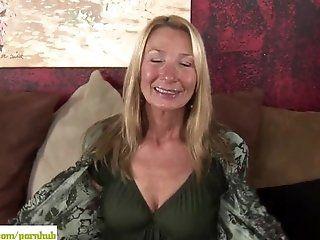 Mature;Masturbation;Blonde Older cougar Pam Roberts fingers twat