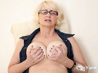 Amateur;Mature;MILF;HD kinkyandlonelycom...
