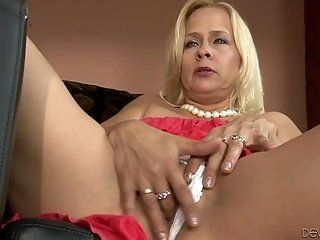 Group;Mature;Blonde;HD Peyton Leigh,...