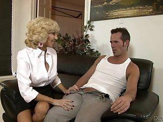 Big Tits;Blowjob;Cumshot;Mature;MILF;HD Tara Holiday MILF...