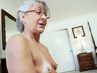 Mature;MILF;HD Leilani Lei Old...