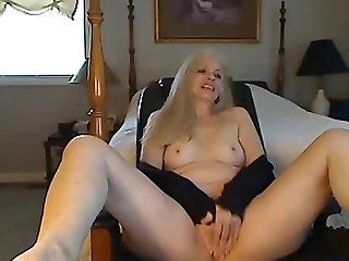 Mature;MILF MLF From USA so...