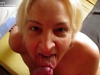 Amateur;Mature;Fetish;Facials;MILF;HD Devote nasse Milf...