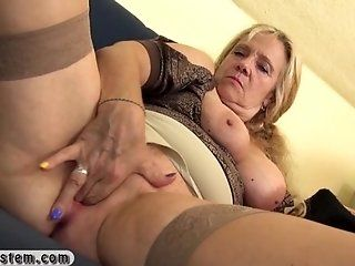 Mature;Blonde;HD Old blonde woman...