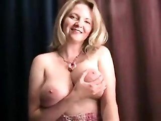 Blowjob;Mature;Facials Mature blowjob...