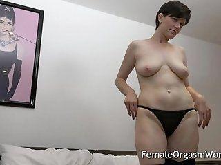 Amateur;Mature;MILF;Masturbation;HD Horny MILF...