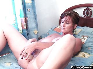 Amateur;Big Boobs;Grannies;Matures;MILFs;Dildo;Old;Older;GILF;Granny;Grandma;Watching;Online;Anal Play;British MILF;British Granny;English;Mother;Housewives;Older Woman Fun Classy grandma pushes dildo up her ass