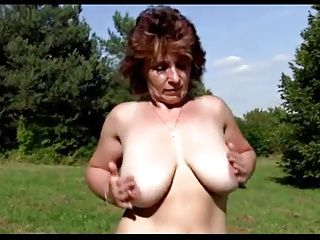 Masturbation;Matures;MILFs;Outdoor;Stepmother Stepmother outdoor