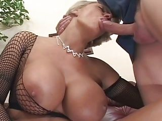 German;Matures;Squirting;Old;Mother;Boob;MILF Hunter;Fucked;Hooters;Special;Big Tits;Hard;Hard Fuck;Big Tis;Fishnet;Oral une belle mature