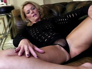 Amateur;Grannies;Matures;MILFs;Cougars;HD Videos;Hungry Mom;Perfect Body;Hungry;Perfect Mom;Perfect;Mom;Mature NL Mature mom with...