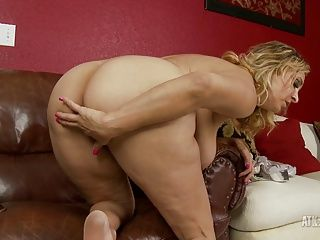Big Boobs;Masturbation;Matures;HD Videos;Busty Mature;Kinky;Aunt Judy's Busty Mature Sophia Jewel gets kinky