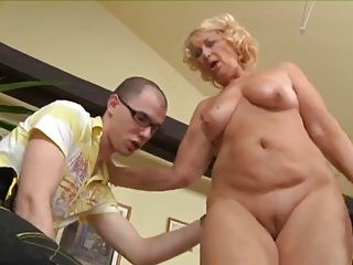 Babes;Matures;Old+Young;Old;Mother;GILF;Granny;Plumber Rica Madura,...
