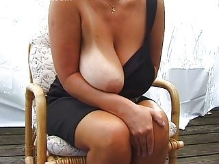 Amateur;BBW;Big Boobs;Matures;MILFs;Posing Blonde...