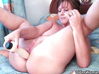 Grannies;Masturbation;Matures;MILFs;Stockings;Older Woman Fun Mom's...