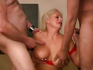 Cumshots;Matures;Swallowing;Swallows;Cum Swallow;Explosion Robyn Ryder...