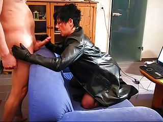 Amateur;German;Matures;Tits;Leather;Leather Coat Mature in leather...
