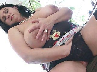 BBW;Big Boobs;Matures;MILFs;Squirting;HD Videos;Housewife;Big Squirting;Masturbating;Mature NL Big titted...