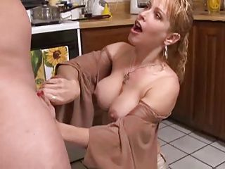 Big Boobs;Blowjobs;Cumshots;Matures;MILFs;Mom Mom Needs to Eat!!