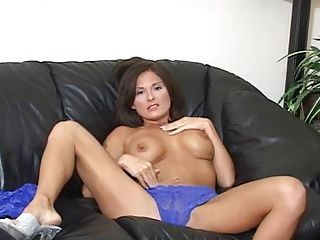 Brunettes;Masturbation;Matures;MILFs;Tits;JOI;Web Cams;CEI;Mom Motivating Mom JOI