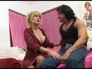 Big Tits,Grannies,Mature,MILFs