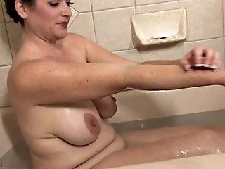 Amateur,MILFs,Mature,HD Sexy housewife...
