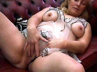 Amateur,HD,Mature,Blonde Blonde Cindy...