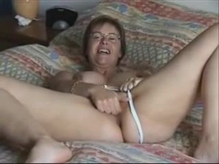 Amateur,MILFs,Mature,Big Tits